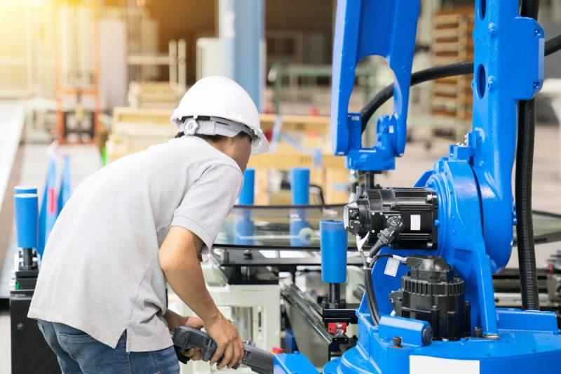 linha-produção-mecanica-industrial