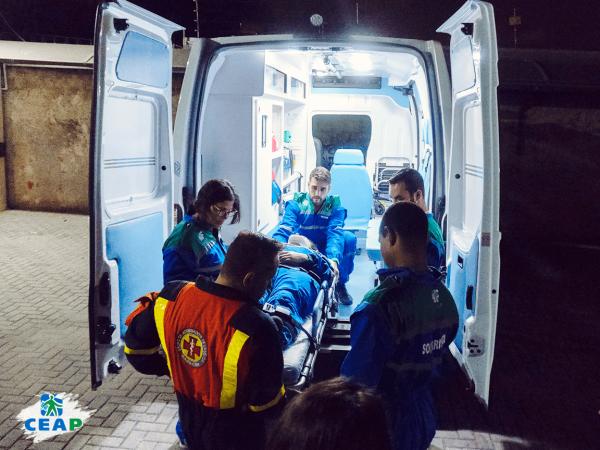 aula-pratica-em-ambulancia-para-socorristas